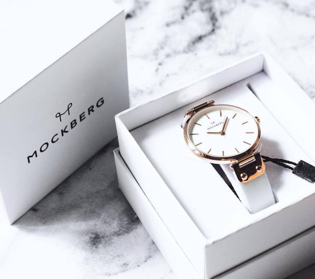 女性が考案した時計ならではの、ジュエリーのように華やかなデザイン