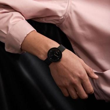 普段使っている時計のデザインやブランドに気を配る2