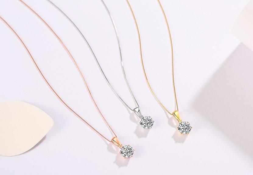 デザインは5種類、それぞれシルバーとイエローゴールド、ピンクゴールドの3色
